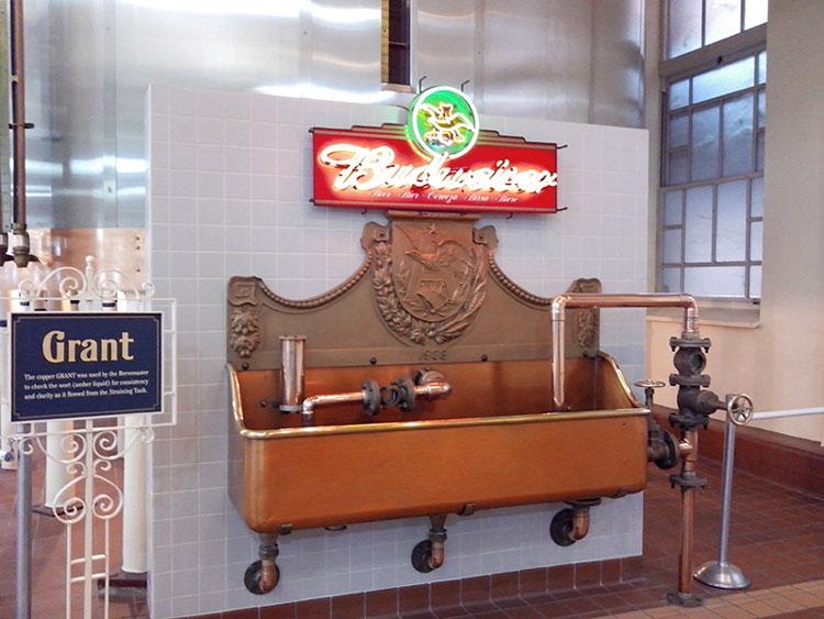 Visita a Planta Budweiser en St. Louis, Mississipi en noviembre de 2013.